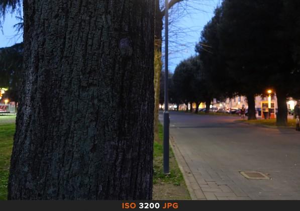 ISO3200 JPG Sony RX100 Mk II