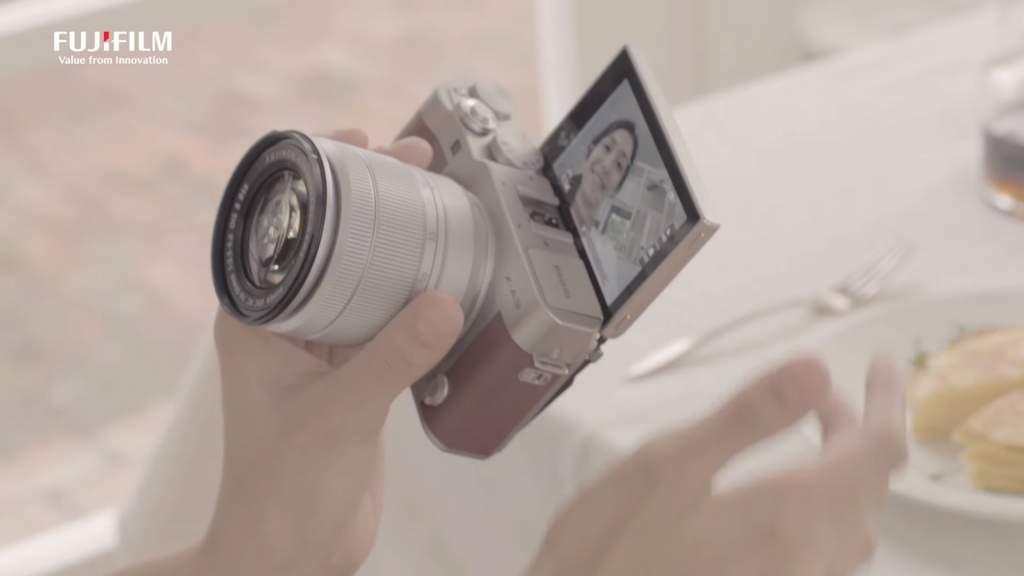 Fuji X-A2 Selfie Camera