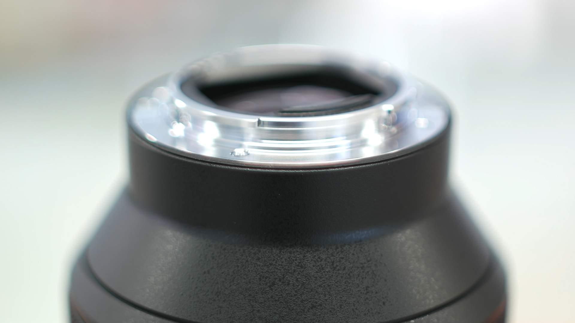 Dettaglio guarnizione Sony 85mm f1.4 GM