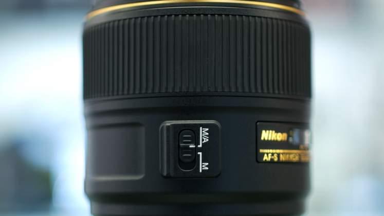 Dettaglio switch messa a fuoco Nikon 105mm f1.4
