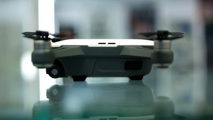 Vista laterale Drone DJI Spark
