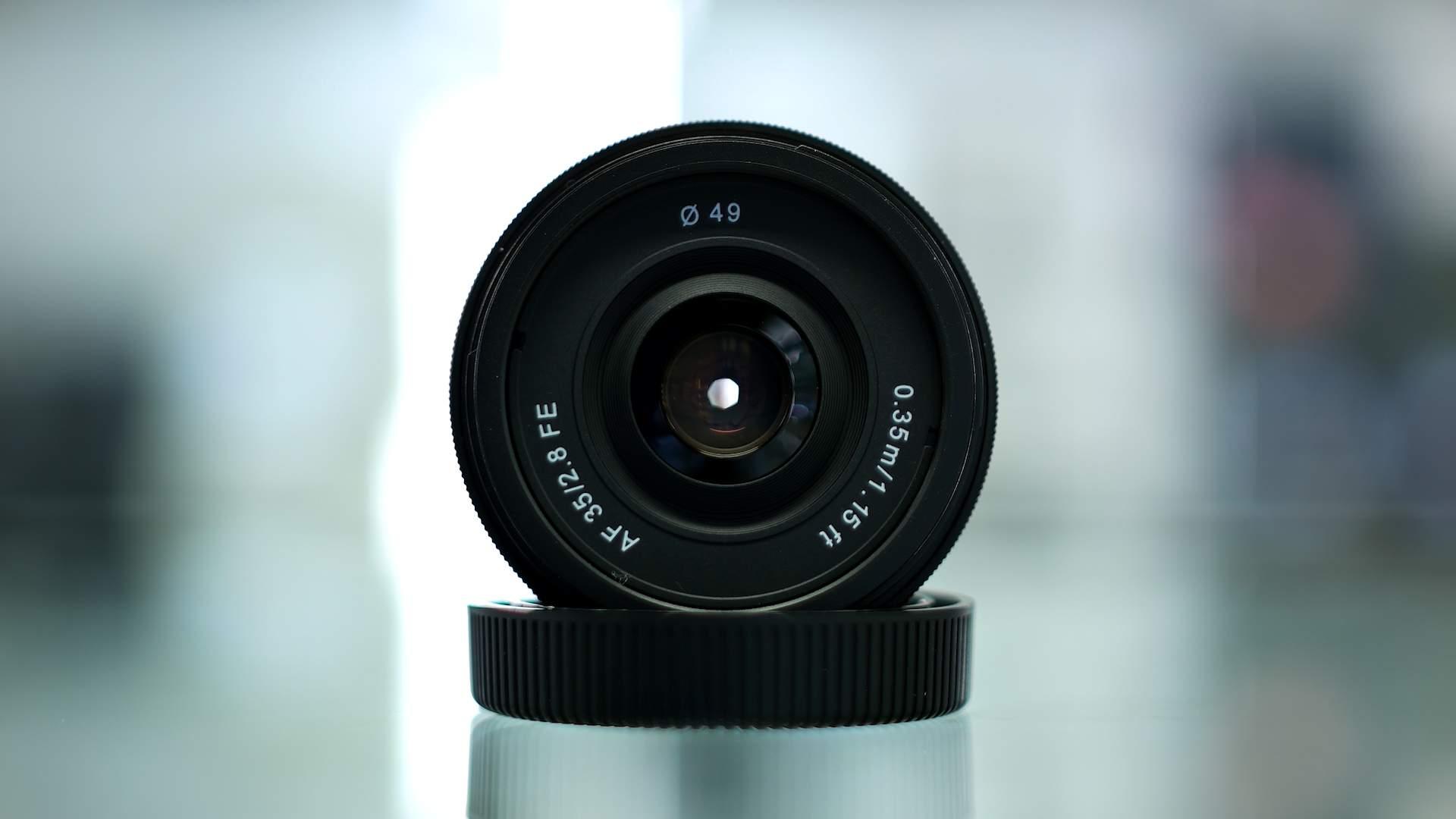 Vista frontale Samyang af 35mm f2.8 FE