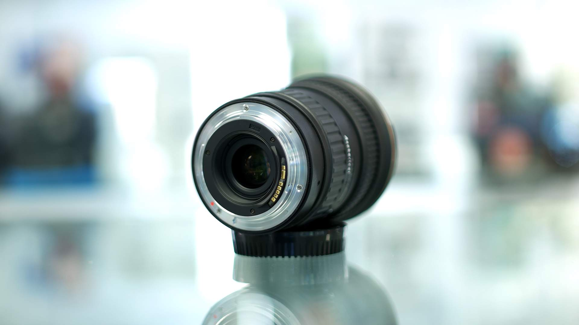Dettaglio baionetta obiettivo Tokina 17-35mm f4 Pro FX