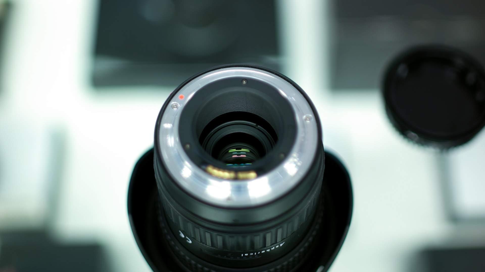 Dettaglio interno obiettivo Tokina 17-35mm f4 Pro FX