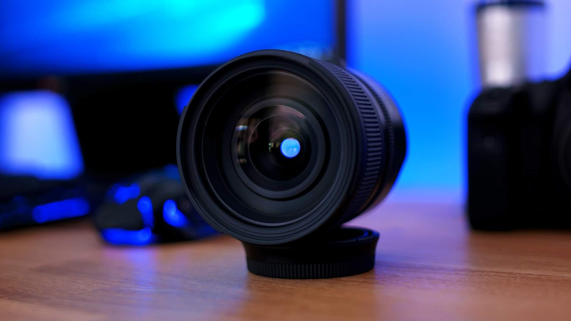 Vista frontale Tamron 24-70mm f2.8 G2