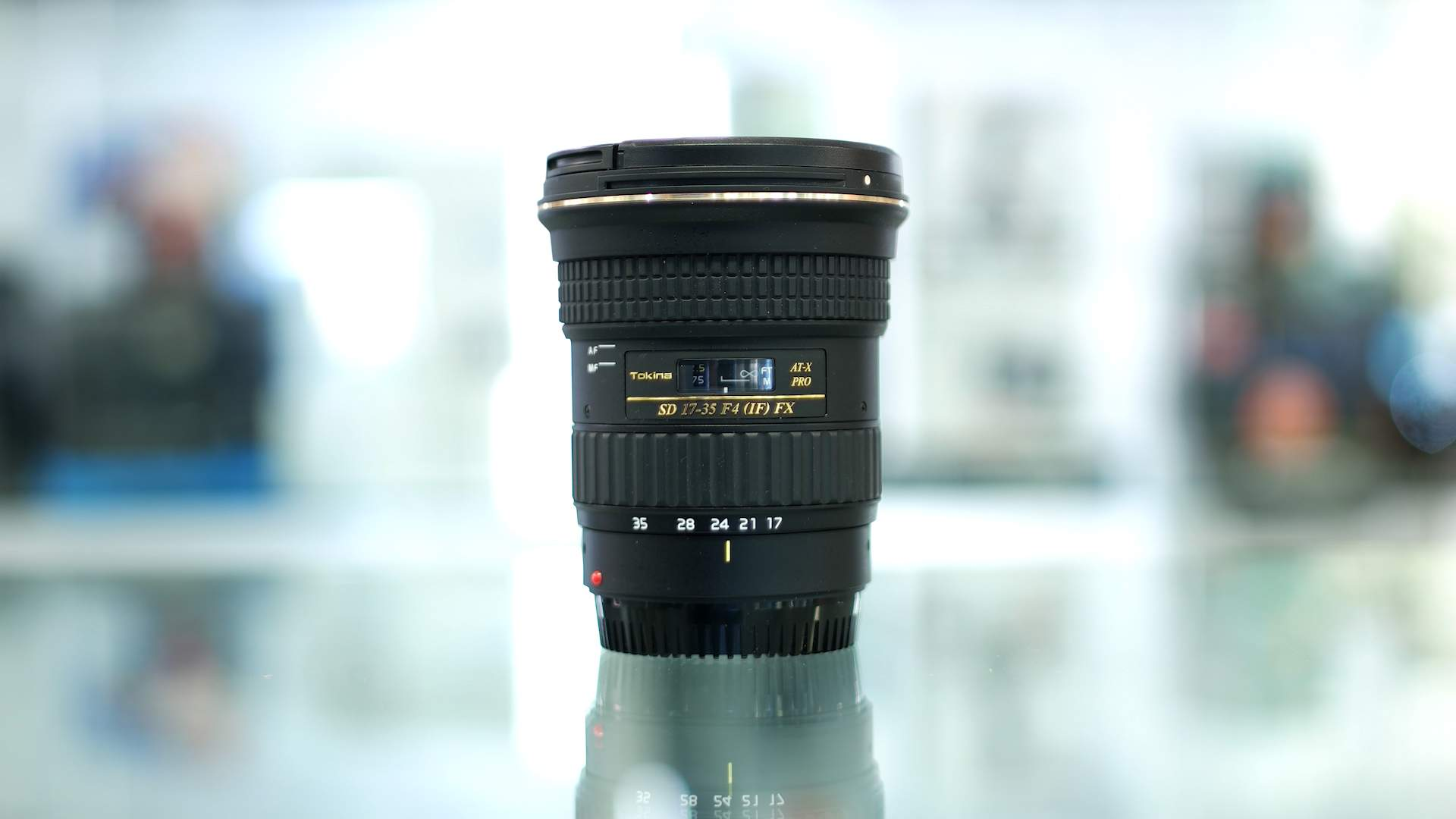 Vista generale obiettivo Tokina 17-35mm f4 Pro FX