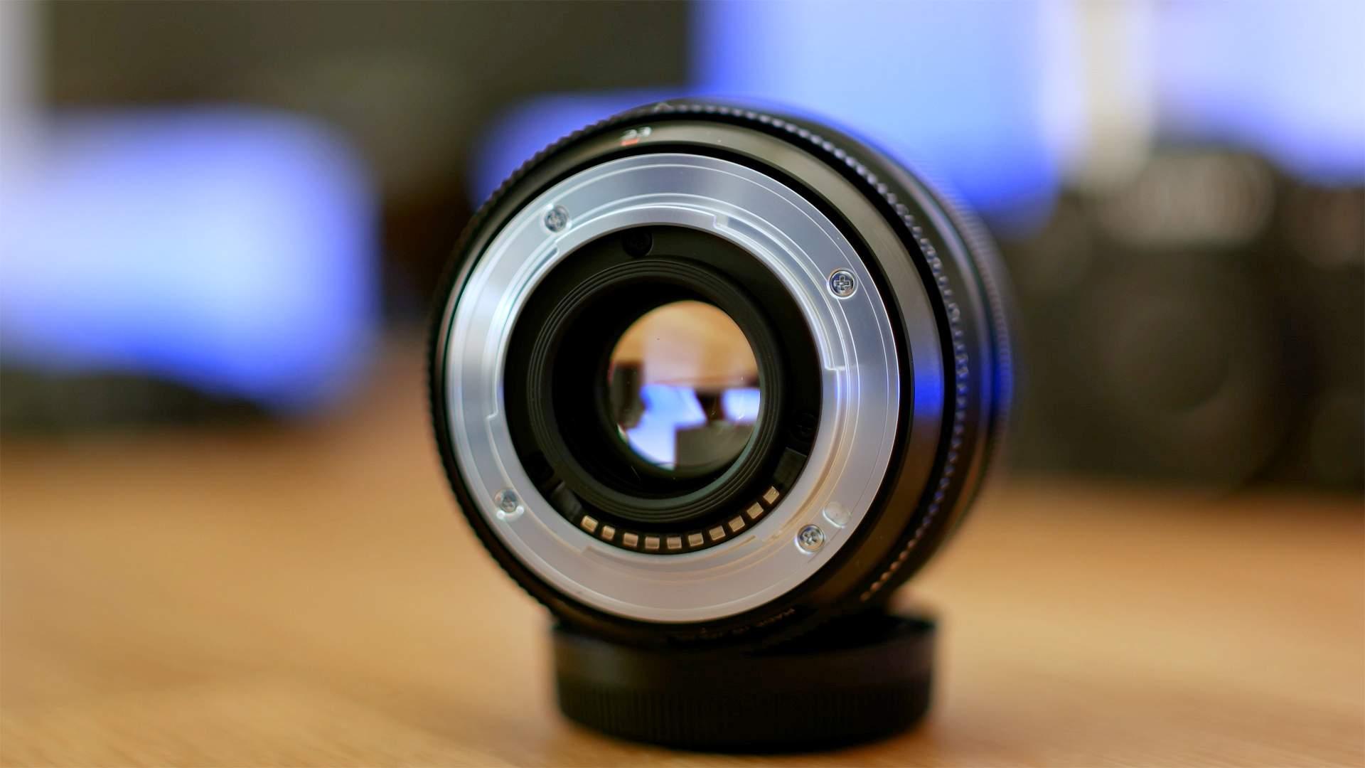 Vista posteriore FujiFilm XF 23mm f1.4 R