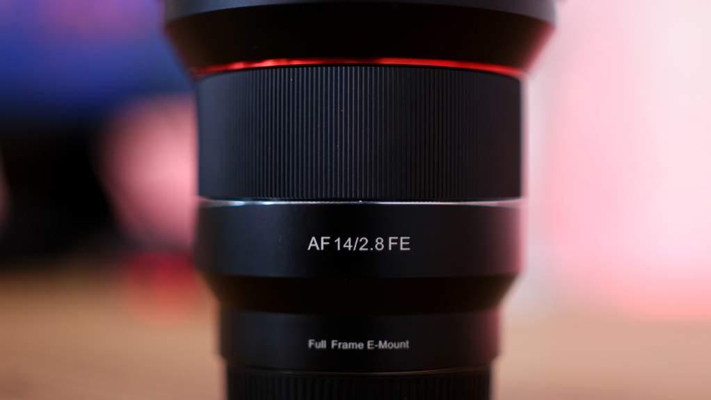Dettaglio nome Samyang AF 14mm f2.8 FE