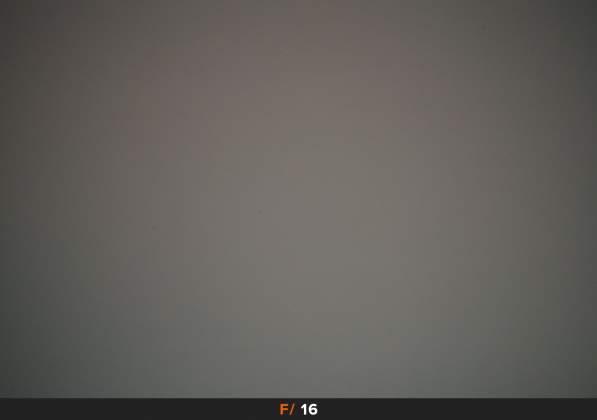 Test Vignettatura f16 Samyang AF 14mm f2.8 EF