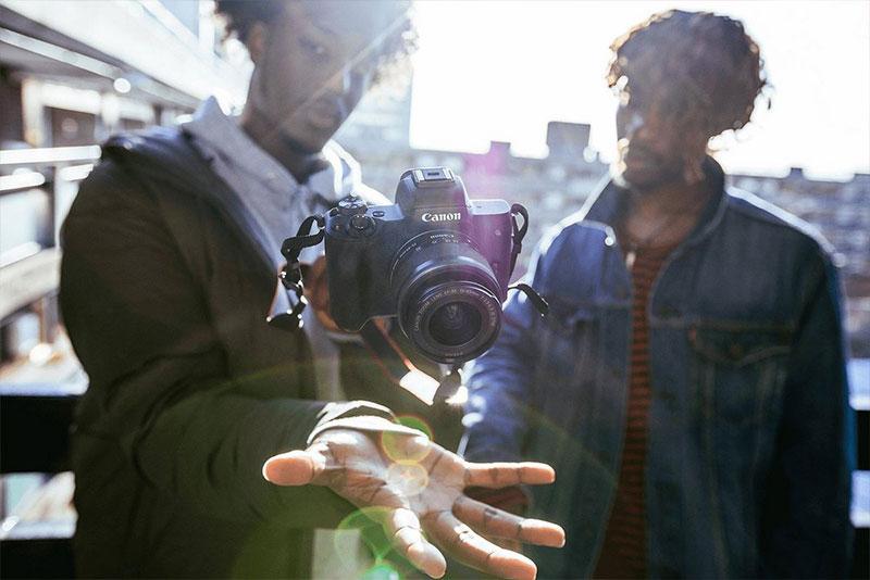 Vista generale mirrorless Canon Eos M50