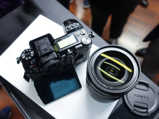 Dettaglio obbiettivo 24-105mm mirrorless full frame Panasonic S1 2