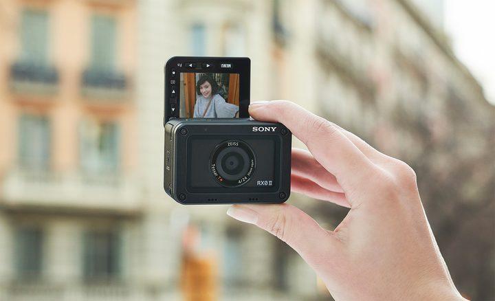 Sony RX0 II selfie mode
